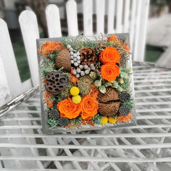 Çerçeve Çiçek Aranjmanı