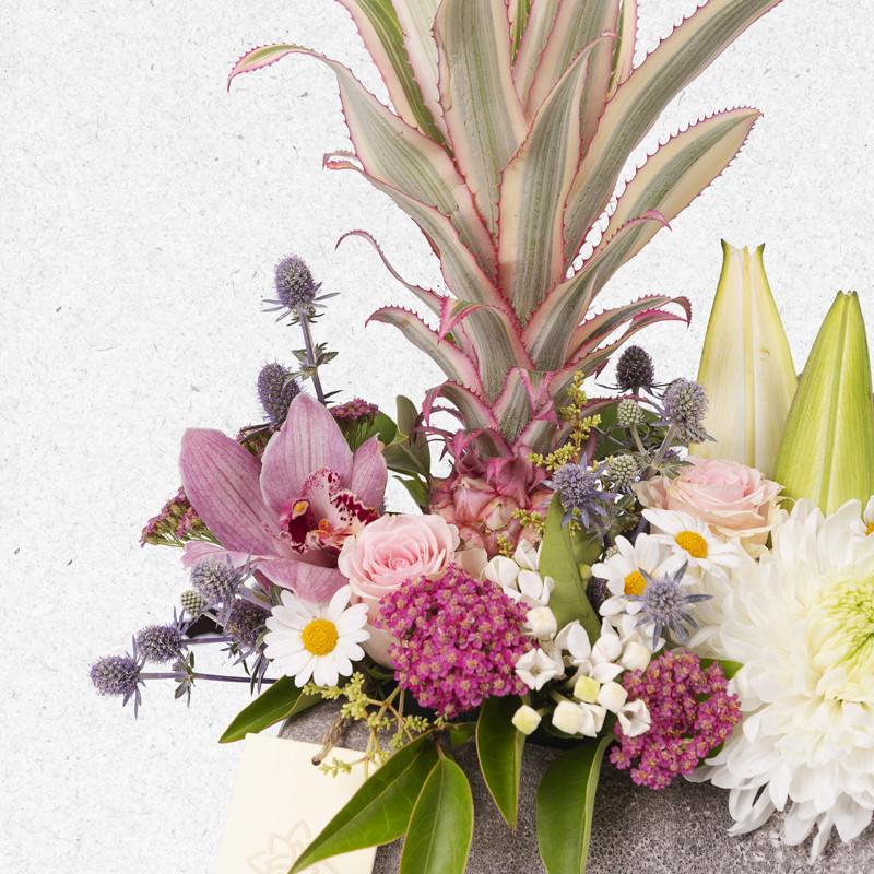 Saksıda Çiçek Aranjmanı